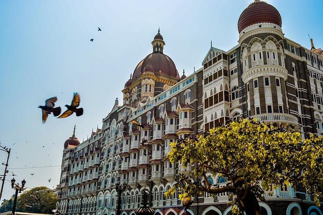 Budget Street Shopping in Mumbai 1
