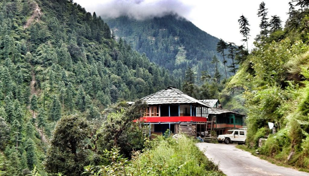 tirthan-valley-2645570_1920