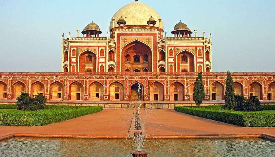 1019px-Humayun_Tomb,_Delhi,_running_fountain