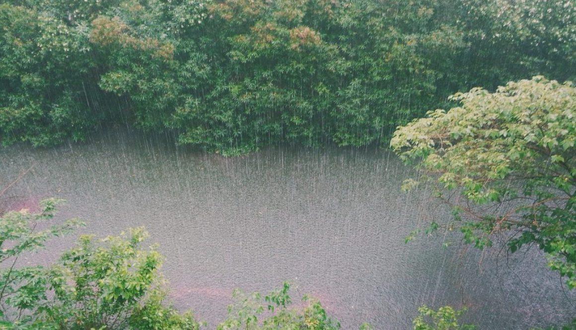 raining-828890_1920
