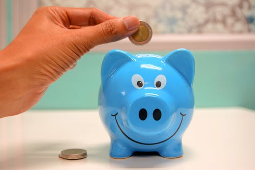 Best Ideas To Save Money While Travelling ! 1