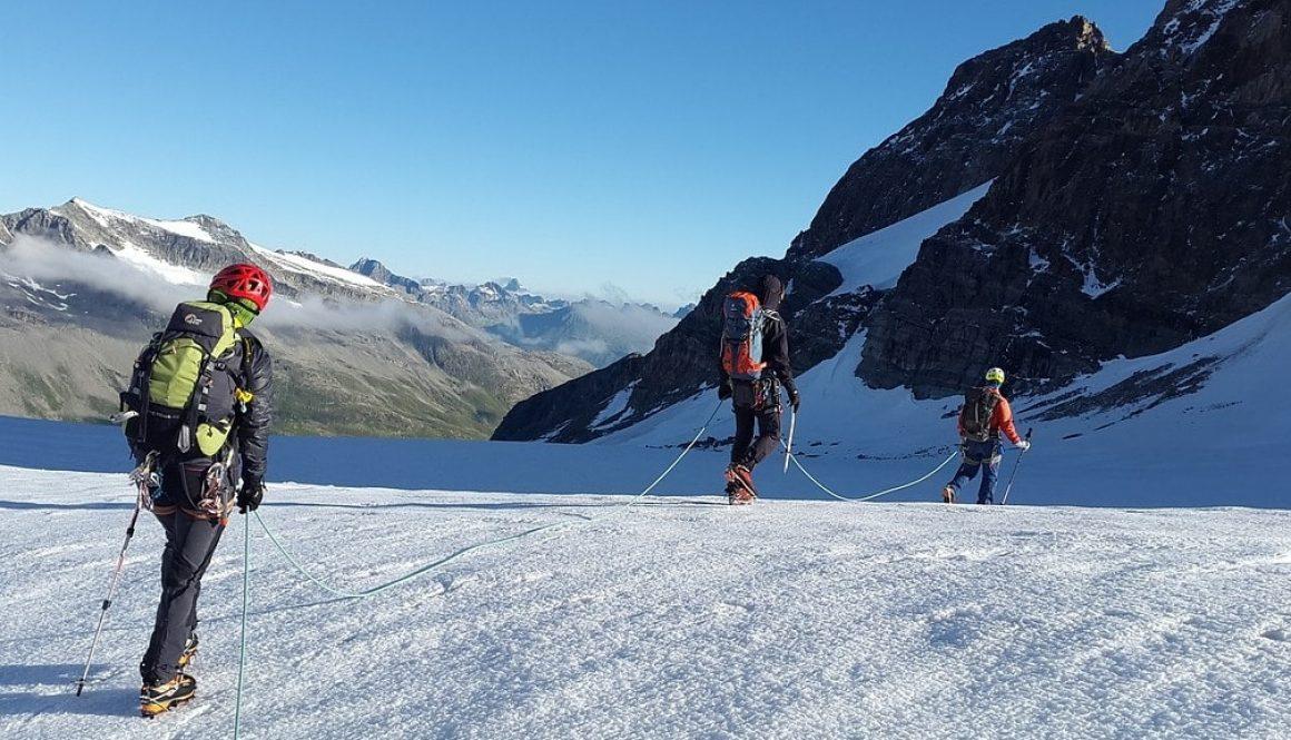high-altitude-mountain-tour-1578127_1280