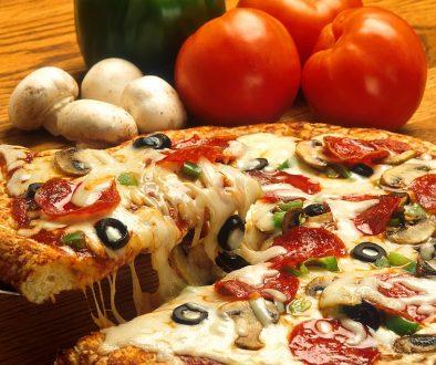 1024px-Supreme_pizza