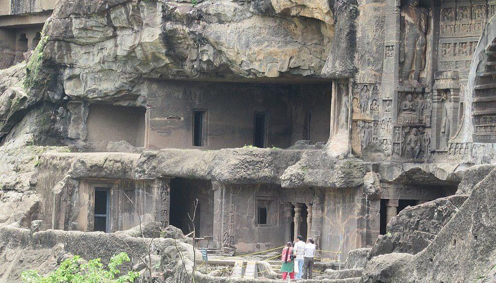 1024px-Ajanta_caves_Maharashtra_205