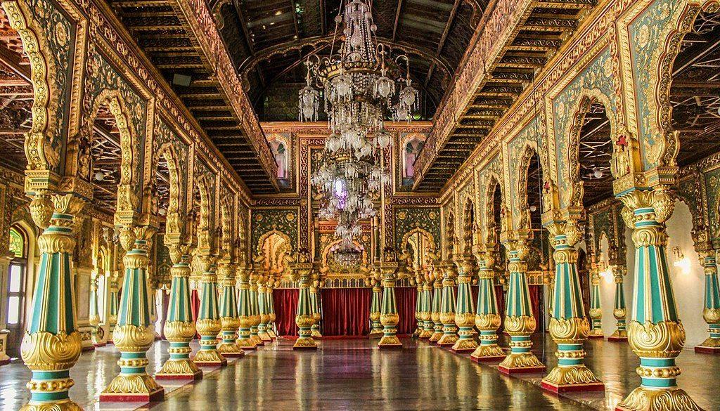 1024px-Darbar_Hall_at_Mysore_Palace