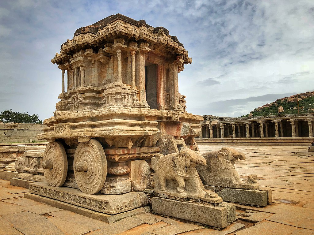 Hampi Travel Guide 2020: How To Reach? Places To Visit, Things To Do! 1