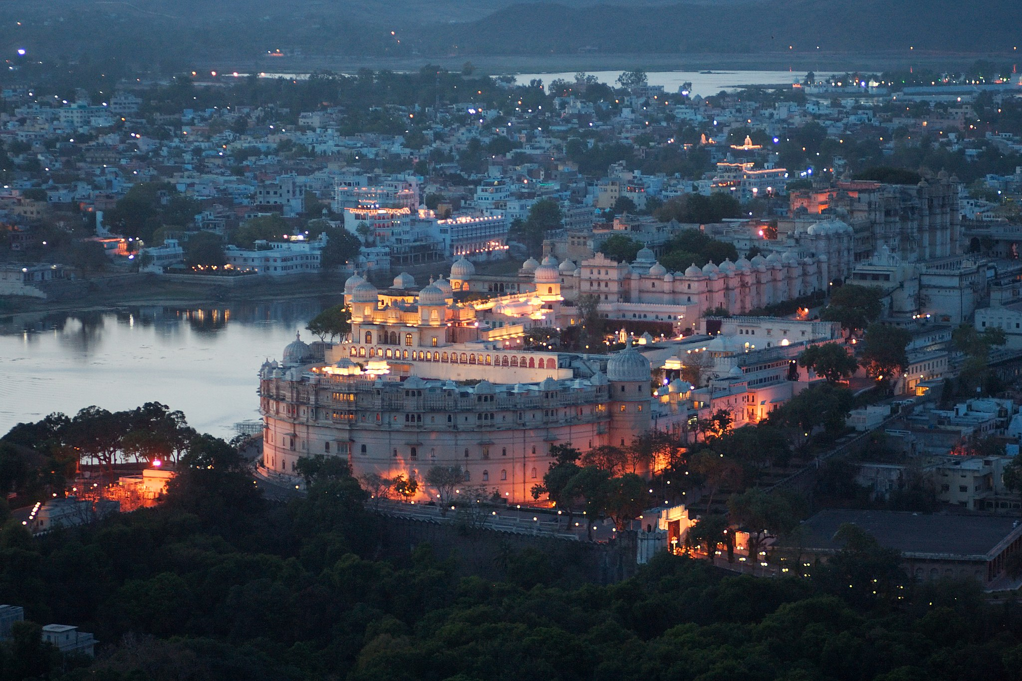 Udaipur Travel Guide 2020-Itinerary, Things To Do, Places To Visit | Book Now 1