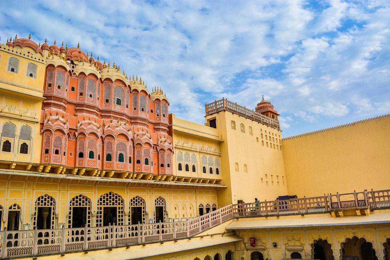 Best 15 Backpackers Hostels In Jaipur (2020) 1