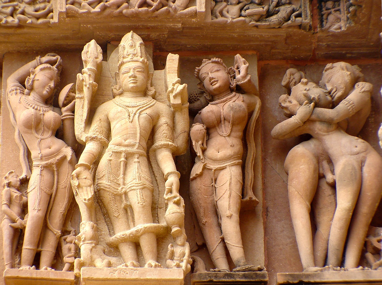 Khajuraho Temple: How To Reach? Places To Visit, Things To Do In 2020 1
