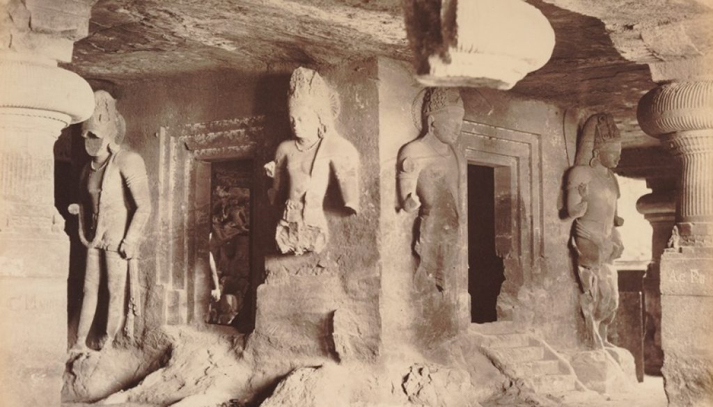 lossy-page1-800px-KITLV_92158_-_Unknown_-_Temple_in_a_cave_at_Elephanta_in_India_-_Around_1875.tif