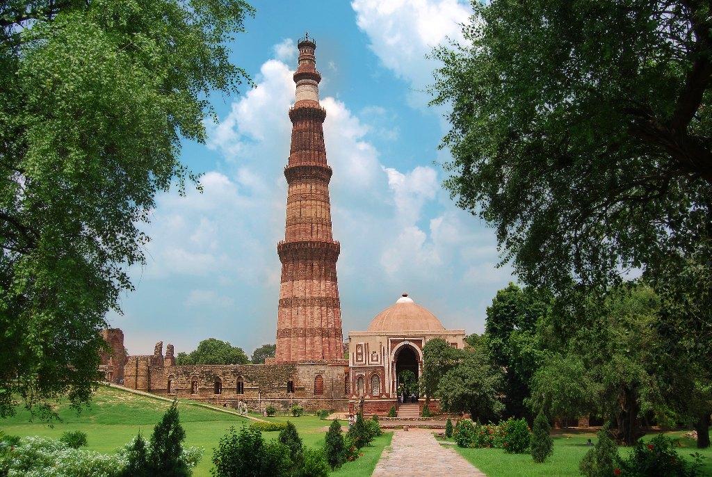 Qutub Minar Complex, New Delhi: History, Guide & Trip Planner 2020 1